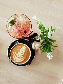 cafe-3566298__340.jpg