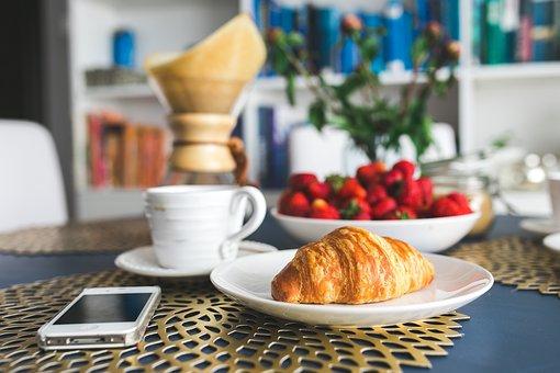 croissant-2346528__340